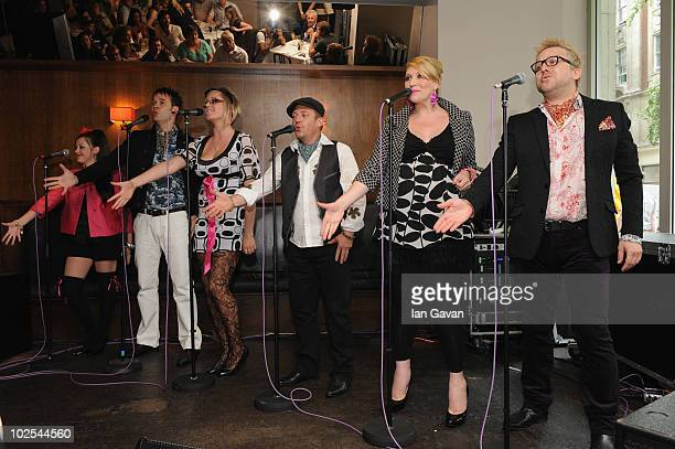 ey Laura Lee Tom Newman Melissa Jacques and Drew JaymsonLONDON ENGLAND JUNE 30 'The Unconventionals' perform at the launch for their album Flower to...