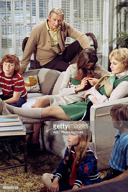 FAMILY 'The Undergraduate' 10/8/71 Danny Bonaduce Dave Madden Susan Dey Shirley Jones Suzanne Crough Brian Forster
