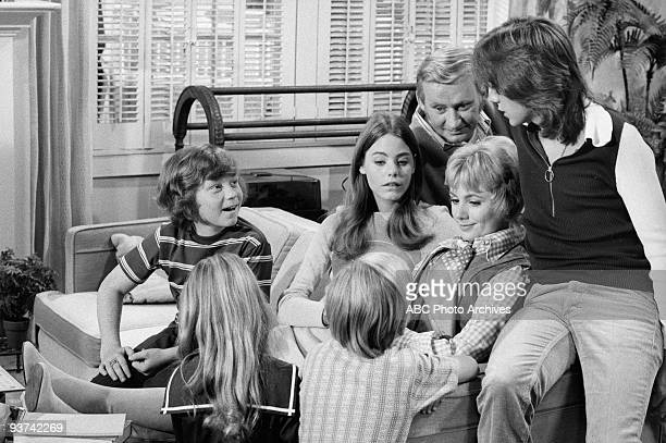 FAMILY The Undergraduate 10/8/71 Danny Bonaduce Suzanne Crough Brian Forster Susan Dey Dave Madden Shirley Jones David Cassidy