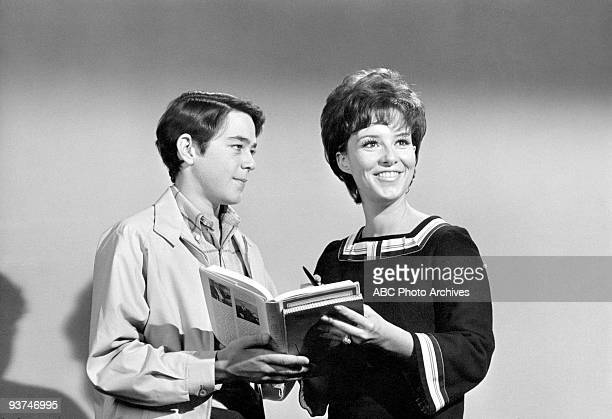 BUNCH The Undergraduate Season One 1/23/70 Greg became infatuated with the mysterious Linda Gigi Perreau gueststarred as Miss O'Hara