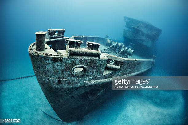 the underwater ship wreck - ship wreck stock pictures, royalty-free photos & images