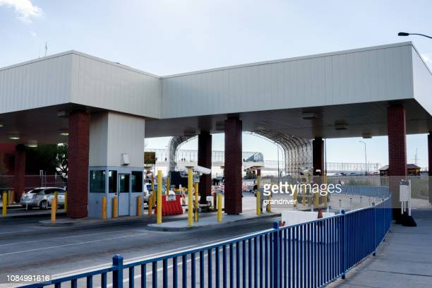 the united states and mexico border crossing november 2018 - geographical border stock pictures, royalty-free photos & images