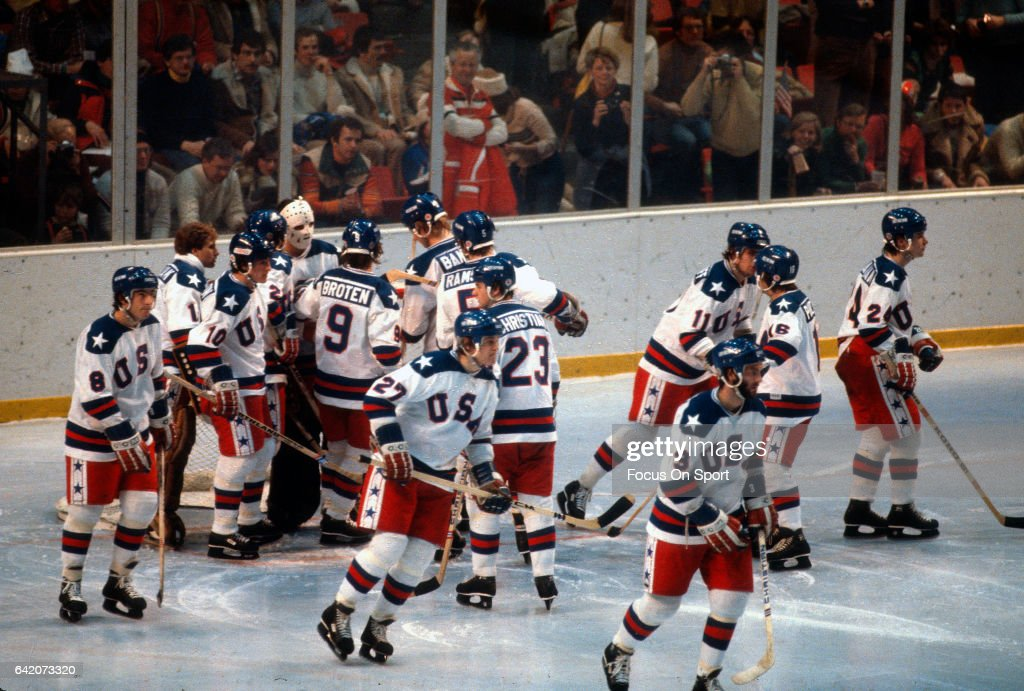 1980 Winter Olympics - Hockey - United States v Soviet Union : News Photo
