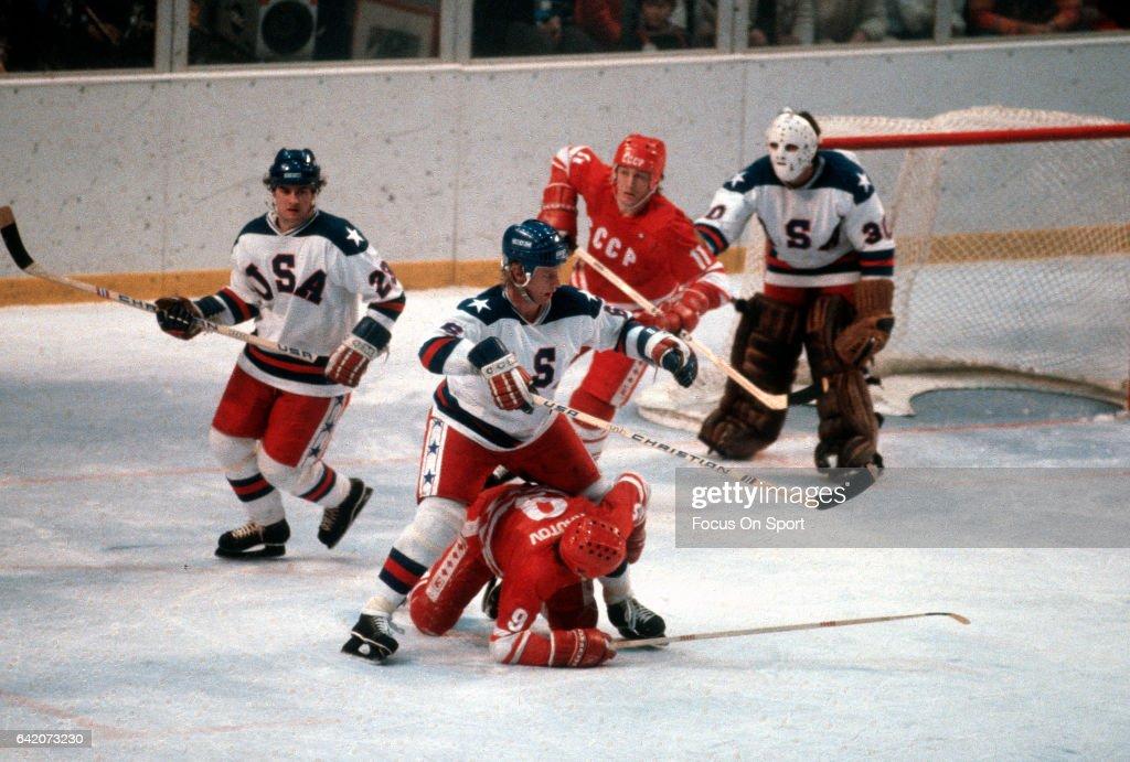 1980 Winter Olympics - Hockey - United States v Soviet Union : News Photo