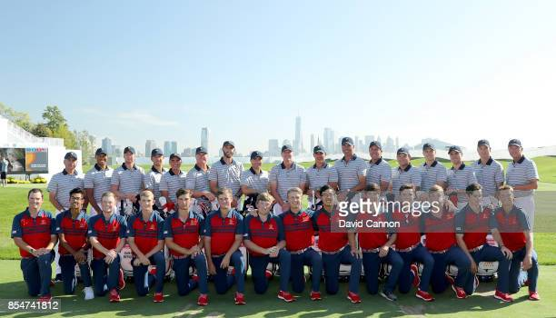 The United States Team pose for the official team photograph with the United States Junior Presidents Cup Team Fred Couples Tiger Woods Daniel Berger...