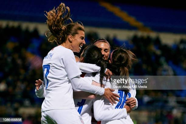 The United States Women players celebrate a goal during the International Friendly game between Spain Women and The United States Women at Estadio...