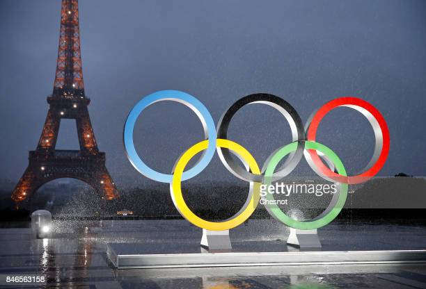 The unveiling of the Olympic rings on the esplanade of Trocadero in front of the Eiffel tower after the official announcement of the attribution of...