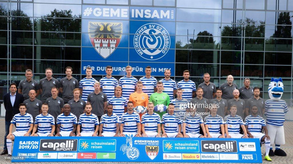 MSV Duisburg - Team Presentation : News Photo