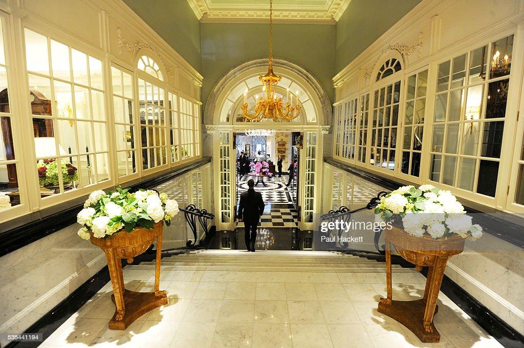 Thames Foyer Savoy Hotel : The upper thames foyer of savoy hotel iconic