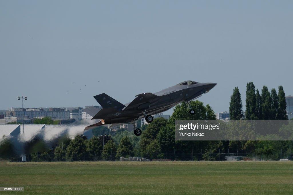 52nd International Paris Air Show - Day 1 : News Photo