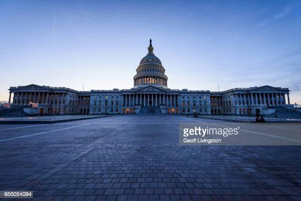 the u.s. capitol building - capitol hill stock pictures, royalty-free photos & images