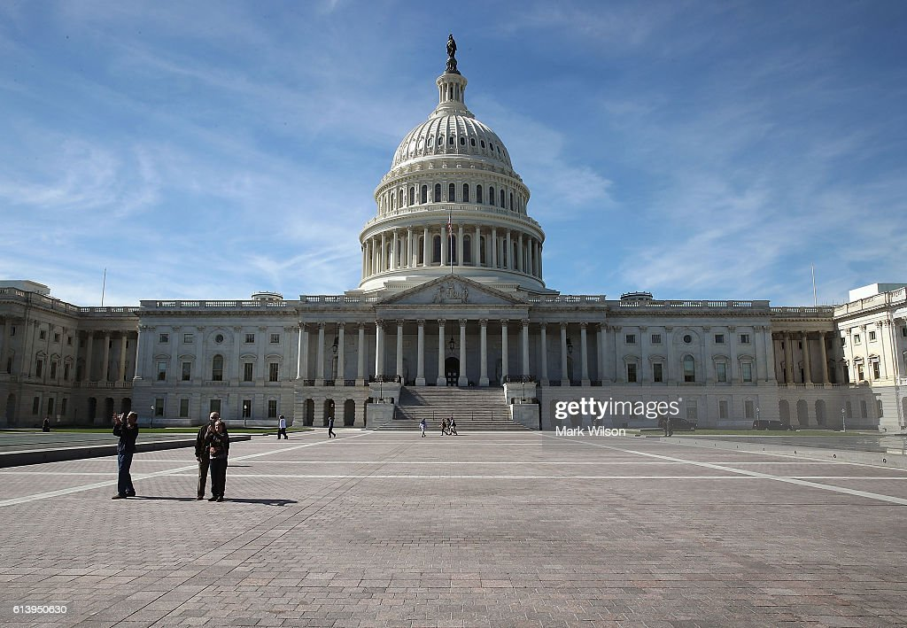 Congressional Majority In Question As Election Nears : News Photo