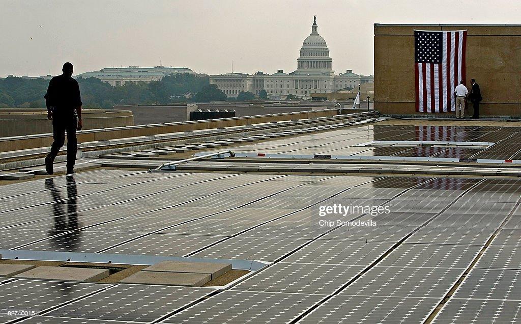 Energy Secretary Bodman Opens Solar Power System On Energy Dept. Build : News Photo