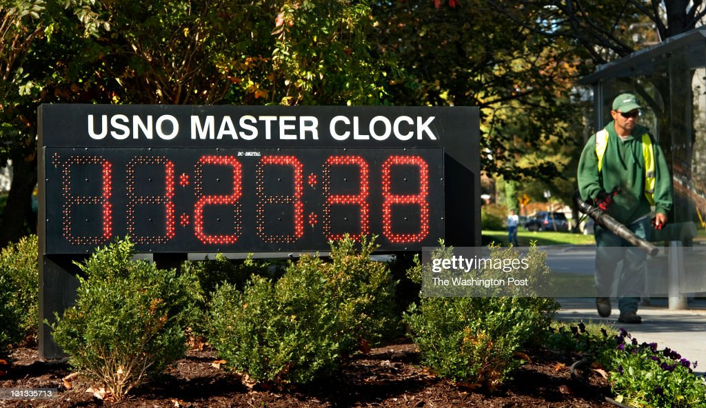 The US Naval Observatory Master Clock on Massachusetts