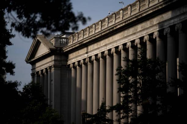 DC: Infrastructure Talks Near Finish As Senators Face Time Pressure