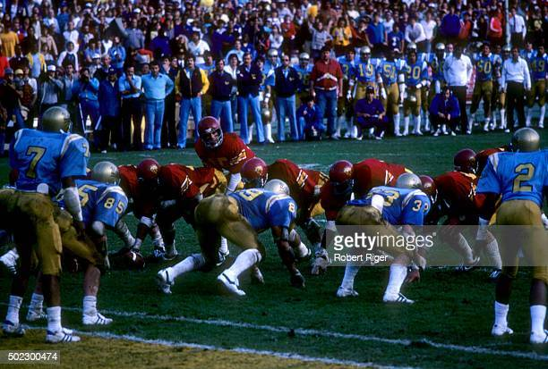 The USC Trojans get ready to run the play against the UCLA Bruins during an NCAA game on November 20 1982 at the Rose Bowl in Pasadena California