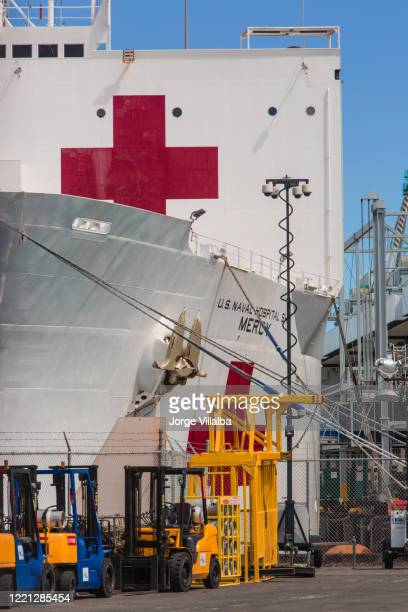 the usns mercy (t-ah-19) at the port of los angeles in san pedro ca - port of los angeles stock pictures, royalty-free photos & images