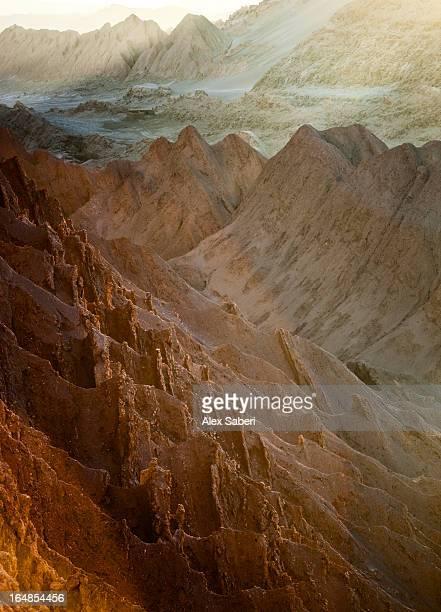 the valley of the moon in the atacama desert, chile. - alex saberi imagens e fotografias de stock