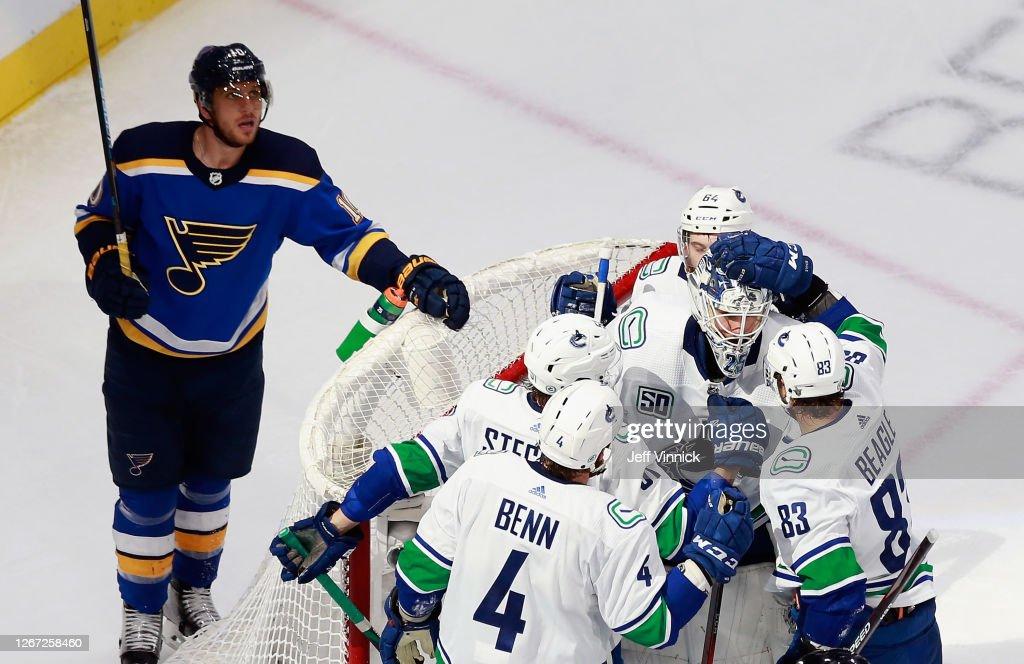 Vancouver Canucks v St Louis Blues - Game Five : News Photo