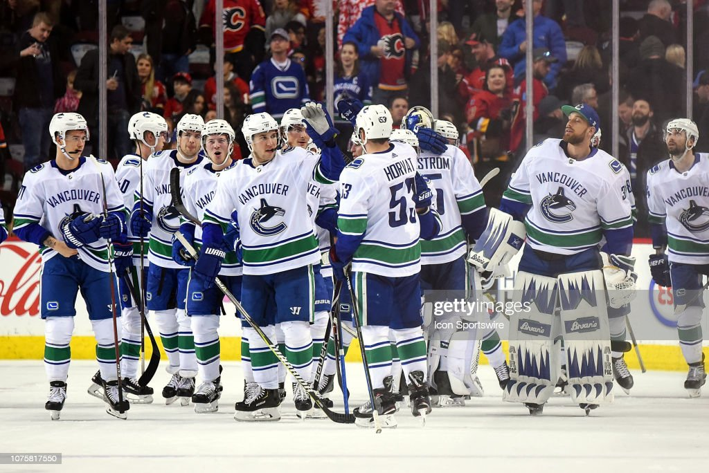 NHL: DEC 29 Canucks at Flames : News Photo