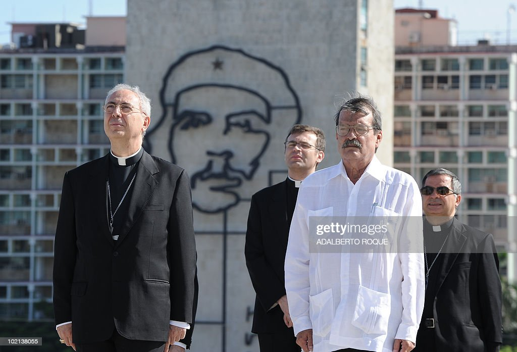 The Vatican Secretary for Relations with States, Monsignor Dominique Francois Joseph Mamberti (L), attends a wreath-layer ceremony at Jose Marti monument with Cuban Foreign vice minister Abelardo Moreno (R), in Havana on June 16, 2010. Mamberti is in a five-day official visit to the island. AFP PHOTO/Adalberto ROQUE