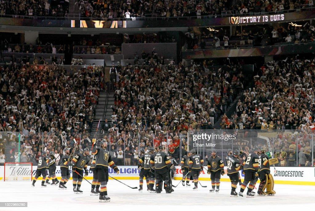 Colorado Avalanche v Vegas Golden Knights - Game Six : News Photo