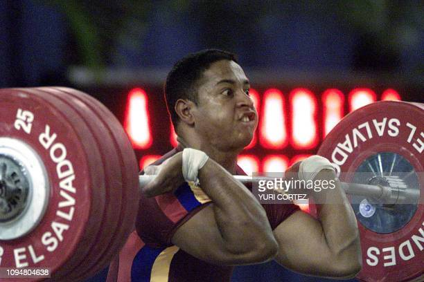 The Venezuelan Eudys Gumarra lifts the weight 25 November 2002 in San Salvadorin the 85 kg category of the weightlifting competition of the XIX...