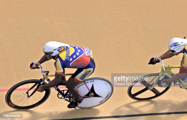 The Venezuelan Ruben Osorio has the lead 29 November 2002 in the 20km cycling competition for points of the XIX Central American and Caribbean Games...
