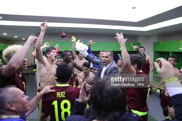 The Venezuelan team celebrate after they defeated the USA during the FIFA U-20 World Cup Korea Republic 2017 Quarter Final match between Venezuela...