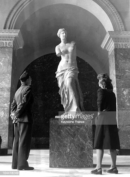 The Venus of Milo is reexposed to the Louvre after having been sheltered from bombings and Nazi greed July 2 1945