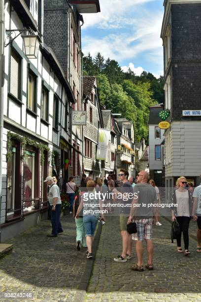 the very busy touristic street - day of the week stock pictures, royalty-free photos & images