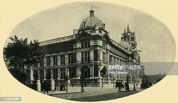 The Victoria and Albert Museum, London, 1914. The V&A in South Kensington was founded in 1852 and named after Queen Victoria and Prince Albert. Its...