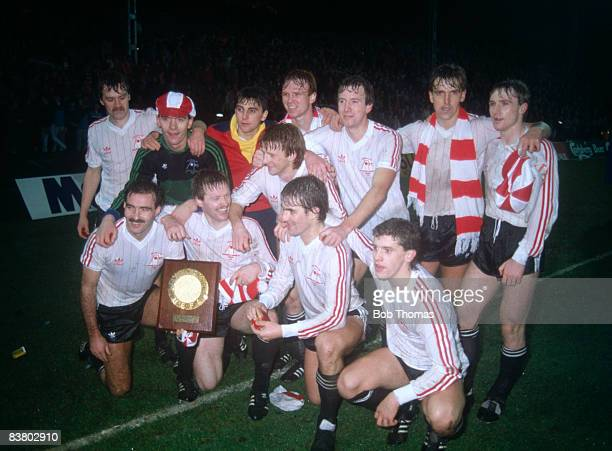 The victorious Aberdeen team after defeating SV Hamburg 20 in the UEFA Super Cup Final 2nd leg at Pittodrie 20th December 1983 Back row Dougie Bell...