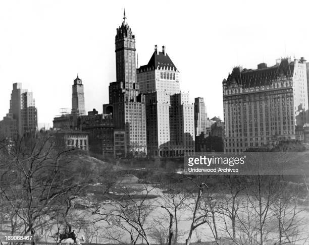 The view from across the Duck Pond of New York City's crown jewel hotels where they sit on the southeast edge of Manhattan's Central Park, New York,...