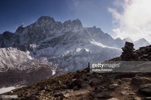 the view from gokyo ri, everest base camp via gokyo trek, nepal - gokyo ri ストックフォトと画像