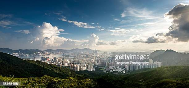 the view of hong kong from kowloon peak - kowloon peninsula stock pictures, royalty-free photos & images