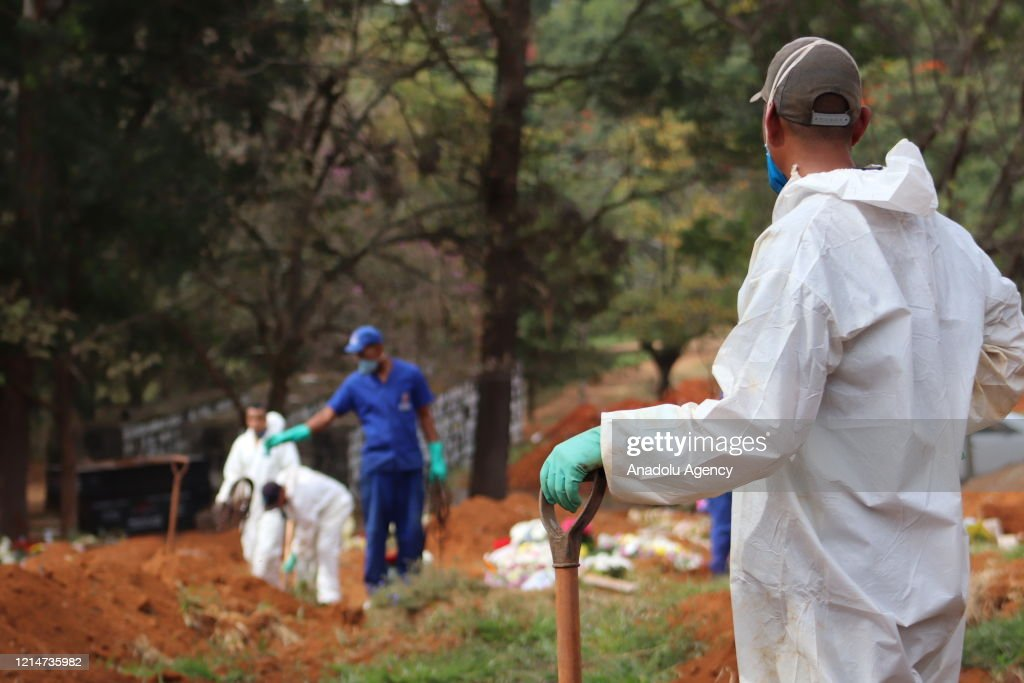 Graveyard of the Covid-19 victims in Sao Paulo : News Photo