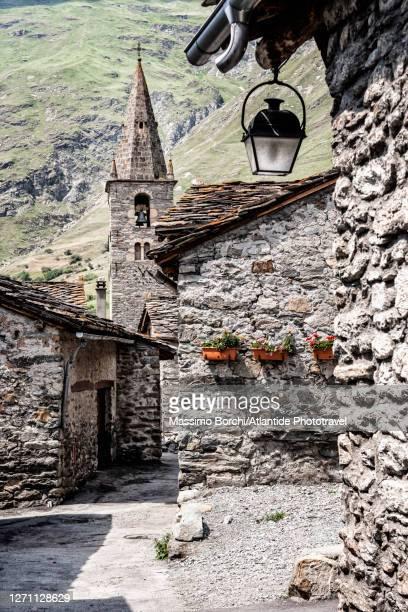 the village of bonneval-sur-arc - savoie stock pictures, royalty-free photos & images