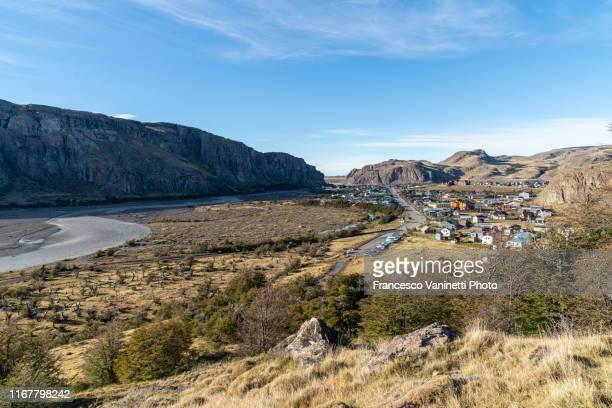 the village of el chalten in autumn, santa cruz province, argentina. - chalten stock pictures, royalty-free photos & images