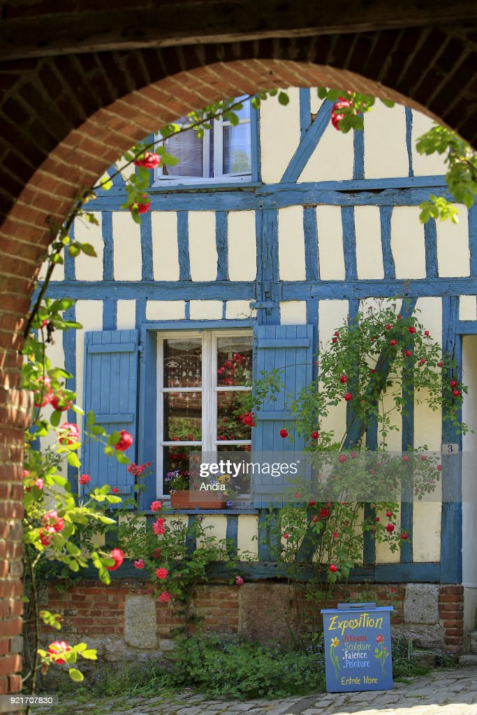 The flowery village of Gerberoy. : News Photo