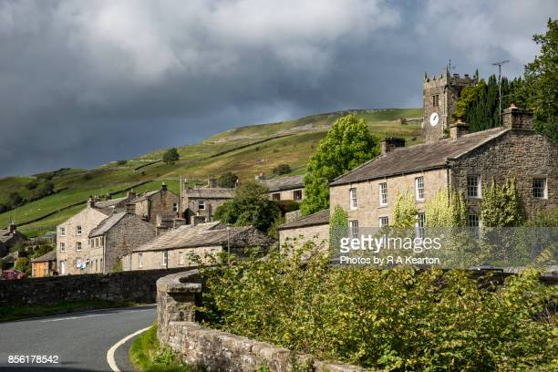 the village of muker, swaledale, yorkshire dales, england - north yorkshire stock pictures, royalty-free photos & images