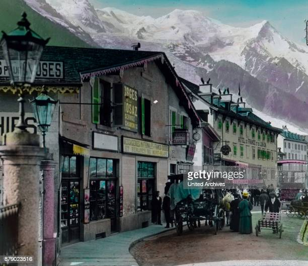 The village was until the 18th century almost not known only by the visit of two Englishmen and particularly the Geneva naturalist Saussure which for...