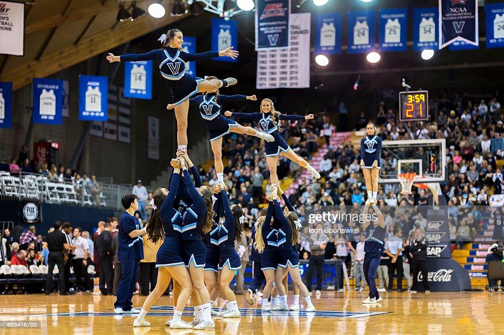 NCAA BASKETBALL: NOV 23 Charleston at Villanova : News Photo