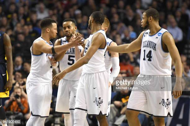 The Villanova Wildcats huddle during the 2018 NCAA Men's Basketball Tournament East Regional against the West Virginia Mountaineers at TD Garden on...