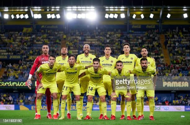 The Villarreal CF team line up for a photo prior to kick off during the La Liga Santander match between Villarreal CF and Elche CF at Estadio de la...