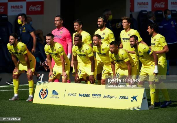The Villarreal team line up for a photo prior to kick off during the La Liga Santander match between Villarreal CF and SD Eibar at Estadio de la...