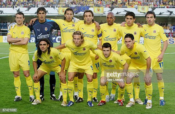 The Villarreal team line up prior to the Champions League Semi Final Second Leg match between Villarreal and Arsenal at the El Madrigal on April 25,...