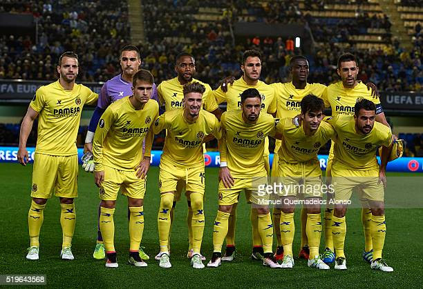 The Villarreal team pose before the UEFA Europa League Quarter Final first leg match between Villarreal CF and Sparta Prague at El Madrigal on April...