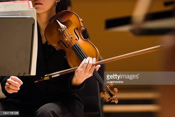 この 2 人のバイオリン奏者