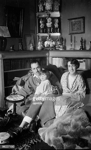The viscount Charles de Noailles , his wife Maris-Laure and their daughter Laure Madeleine Therese Marie . Paris, december 1925.